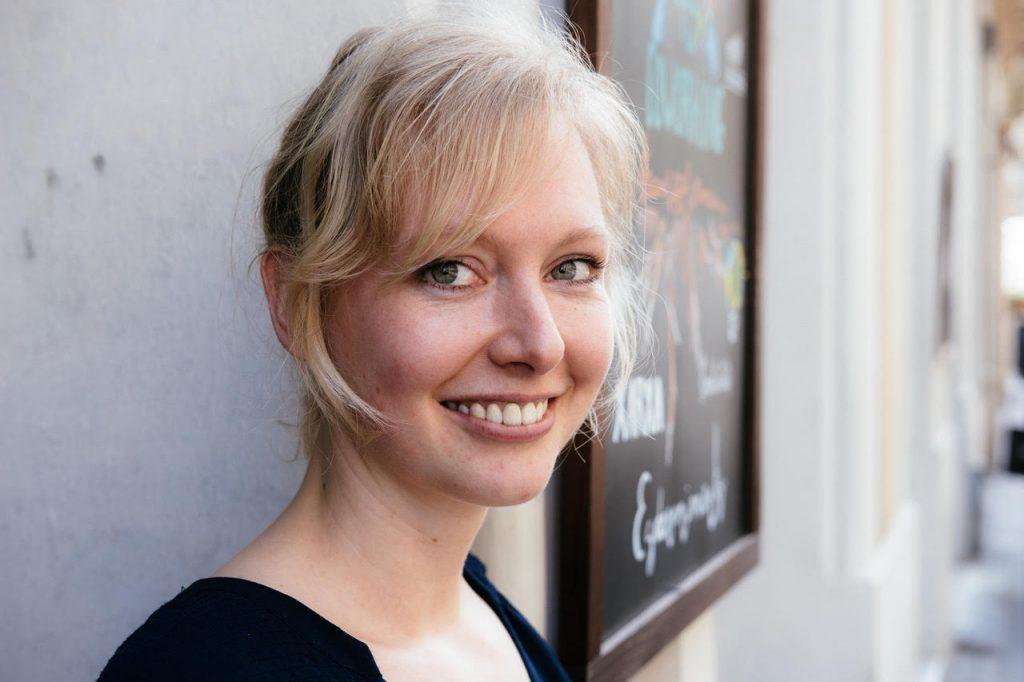 Laura Schröder
